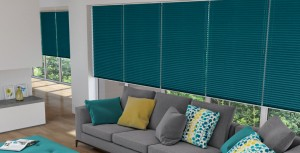 Freehanging Pleated Blind in ShotSilk Teal