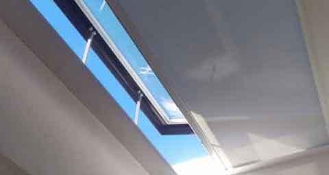 SHY ZIP Rooflight blind